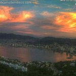 Espectacular cielo en estos momentos en #Acapulco. Inicia el fin de semana. Vista desde 4 webcams http://t.co/w4WymSHdDC