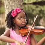 This young violinist wants to use her music for good #Ferguson http://t.co/GMbUjL1BfR http://t.co/iY8BUiJnOK