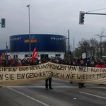 Gegenproteste in Berlin. #MaHe #MaHe2211 http://t.co/eWIh5ZmVyZ