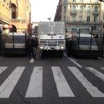 Fermeture côté rue de Metz #LT #toulouse #manif #sivens #fraisse http://t.co/1i2KWH7NdB