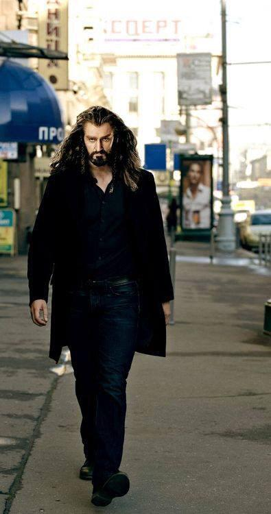 I'm no fan of manips but this is the BEST one EVER @RCArmitage as Lucas Oakenshield http://t.co/n3MRSSWgFJ