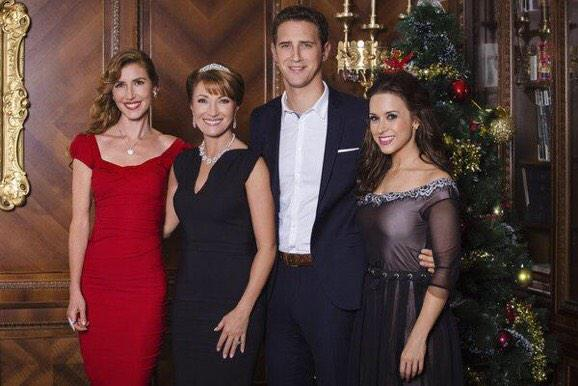 Love it! @IamLaceyChabert: #ARoyalChristmas airing tonight on @hallmarkchannel 8/7 central