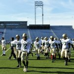 .@GameTimePA_SCIm at Hersheypark Stadium, where @YorkCathAthletplays Camp Hill for the district title in 30mins: http://t.co/Oq4FbuQFBj