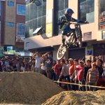 Club de ciclismo Xiroas organiza cada año la competencia de downhill por las fiestas de #Loja. http://t.co/lkwPgPOuWc