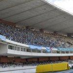 Torcida do @sigaPaysandu começa a lotar o lado B do estádio Mangueirão, para a partida contra o Macaé http://t.co/8eNLxS4svV