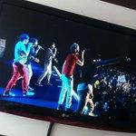 Como faz pra parar de chorar? Sdds up all night sdds #MTVStars One Direction @onedirection for #AMAs #AOTY http://t.co/MTOlh3ICHg