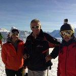Le @LeDL_Grenoble à l#alpedhuez pour louverture ! http://t.co/Em5w1M0nB5