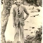 picture of quaide azam taken by my father http://t.co/ZyUvONfl6G