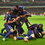 Brilliant team performance, great feeling to win away at Arsenal. Think the photo says it all...#MUFC http://t.co/3SSavDhkdm