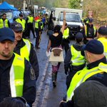 More arrests as pipeline protesters march on #BurnabyMountain http://t.co/Sq6KtKH8cM #KinderMorgan #tarsands #cdnpoli http://t.co/RvZNZtGIcF