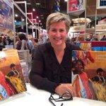 Au #SLMTL jusquà 17h pour signer et parler de notre livre @lumieresafrique http://t.co/Mjv4nwkBR3
