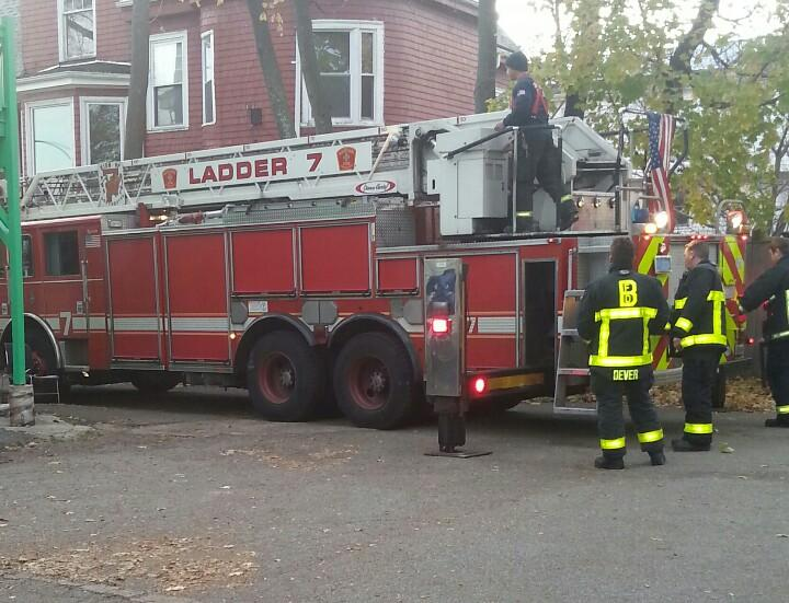 Big thanks to @BostonFire Ladder 7 for their assistance in Dorchester today. http://t.co/fau8zLCHP8