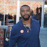 I ran into this cat before the game....always good to see @TajhB10 back in the Valley http://t.co/RDz7uN0YHs