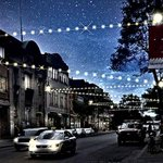 Montreal's Saint-Laurent To Be Lit Up With 2.5KM Of Christmas Lights This December http://t.co/IooUNOfLP1 #montreal http://t.co/YeT2jut4LH