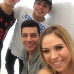 """""""@werasosa: Ya estamos listos! #Tampico @brandon_meza @Ruso_tv @dancastillo_ ???????????? http://t.co/FKR5K0TpmR"""""""