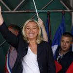 Французские националисты получили кредит в российском банке http://t.co/IVtrh6FBQ7 http://t.co/sP9SO4QqXv