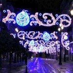 Prueba del alumbrado navideño en la Avenida #Sevilla http://t.co/OFcX9QSkja
