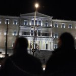 Syrian refugees for the 4th night outside of #Greek #parliament #vouli #syrianrefugeesgr #greece #grčija http://t.co/x2vrXQY7ck