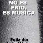 #FelizDiaDeLaMusica a todos los músicos, especialmente a los q cantan en la ducha como si estuvieran en un estadio! http://t.co/Ym5mkwYRZS