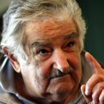 """La importancia del liderazgo ético: palabras de Mujica para México: http://t.co/1BOYq8qyKw #Ayotzinapa (Foto: EFE) http://t.co/apvGOKEINy"""""""