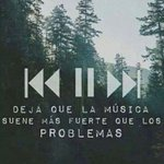 #FelizDiaDeLaMusica la solución a todos los problemas, real que se merece su día. GRACIAS POR EXISTIR!♥ http://t.co/SULCUoVL6Z