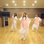 """""""@allkpop: AOA dress in cat pajamas for a special Like a Cat dance practice http://t.co/8II3csiVvr http://t.co/mfcvsu6lfj"""" @Atweetfa"""