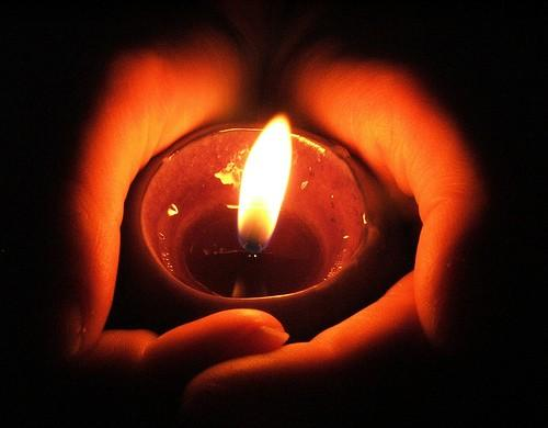 #KOT RT A heartfelt moment of silence and a prayer for the victims of #ManderaBusAttack and their families http://t.co/j4hc09v8w9