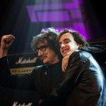El rock nacional homenajeó a Cerati. Cómo fue el especial con Charly, Fito, Mollo y otros http://t.co/kOrwAXUbXD http://t.co/8tQZ0Dgnxf
