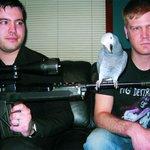 【人類には早すぎたか】インコがリードボーカルのデスメタルバンド http://t.co/qhFFRYqrMj 米国のデスメタルバンド「Hatebeak」(惜しまれつつすでに解散) 動画⇒http://t.co/qZUPScQzYj http://t.co/Ay4IrG6lxt