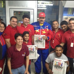Presidente .@NicolasMaduro visita Complejo Alfredo Maneiro y participa en la impresión del primer ejemplar del #4F http://t.co/8jUMTgckgw