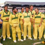 Why did people stop going to ODI games? We stopped wearing canary yellow! @bowlologist @jimmaxcricket #AUSvSA http://t.co/ZmjNCnPjKd