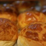 Watch: Golden, sweet and crumbly, #HongKong pineapple buns: a classic treat for all http://t.co/5FUwFWWkoQ http://t.co/EdR84k450T