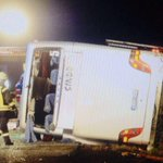Unfall: Bus kippt auf #A10 um mehrere Verletzte. http://t.co/Ns8lmzLtgE @Reporter_Flash @BZPolizei @BILD_Berlin http://t.co/aFmKExmbf2