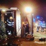 LDS A10 bei Niederlehme: Reisebus stürzt in Böschung – mehrere Schwerverletzte http://t.co/KAzM1pKrs3 @Reporter_Flash http://t.co/0IzZwFnh5r