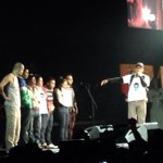 El grupo @Calle13Oficial expresó esta noche en su concierto su solidaridad con las víctimas de #Ayotzinapa http://t.co/yyCkiiwXBe