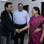 Musician,singer AR Rahman meets Gujarat Chief Minister.Rahman & Saurabh Patel today jointly adressed media on VADFEST http://t.co/6s5QxPFFLf