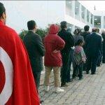 #تونس_تنتخب .. #تونس تختار..  ربي يحميك يا بلادي الغالية.. ❤! http://t.co/s16KLRm6j9