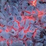 إستعمل الفحم عندما يتحول لجمر بشكل تام، واعمل على تهوئة المنزل تفادياً لأي #خطر. الفحم المشتعل يسبب #الاختناق #لبنان http://t.co/OSaVBz0aAJ