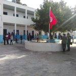 Bureau Ben Achour La Marsa toujours vide à 10h. 750 votants depuis louverture. #TnElec14 http://t.co/RRDN88ThXL