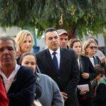"""@MoonNeighbour: رئيس الحكومة التونسية المؤقت متتظرا دوره في صفوف الناخبين. #تونس_تنتخب http://t.co/LGYTdijdE7"""