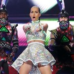 .@KatyPerry takes another shot at Australian paparazzi, singling one out http://t.co/D6y3BwiueZ #PrismaticWorldTour http://t.co/MciThd49UH