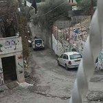قوات #الاحتلال تتواجد في محيط منزل الشهيد معتز حجازي بحي الثوري في #القدس #فلسطين #القدس_أمانتي http://t.co/kVkpwquUXG
