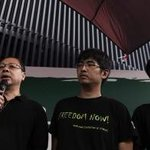 JUST IN: #OccupyCentral co-founders to hand themselves in to police on December 5 http://t.co/EFA9tajskW http://t.co/uJJ6kfVaG7