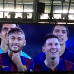[Video] http://t.co/8rdcInDm40 - Cetak Rekor, Messi Dipaksa Lewati Guard of Honour http://t.co/guO0oCnSxJ