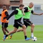 Martin Škrtel and Steven Gerrard won 0% of their tackles today. #LFC http://t.co/q9AxPjLMZF