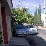 @MovilidadJal Jardines de los jazmines #1502 Zapopan ¿Por donde pasa mi abuela con su andadera? @LeoSchwebel http://t.co/sBOeijnNIg