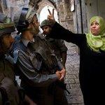 #صورة/ في #القدس امرأة بألف رجل.. #القدس #الاقصى_لنا #فلسطين #الاقصى_يستغيث http://t.co/BwHDKYEXmC