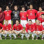 Sir Alex Ferguson lined up with the team 10 years ago today to mark his 1000th game in charge (#mufc beat Lyon 2-1). http://t.co/LJMzY7jfGa