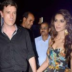 IN PICS @Ileana_Official walks in hand-in-hand with boyfriend Andrew Kneebone at fashion event http://t.co/Tbb7XuU7h2