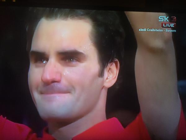 RF in tears after winning.. RT @MiliRFederer GRACIAS MAESTRO, MUCHAS MUCHAS GRACIAS ROGER #FEDERER #DavisCup http://t.co/eyk8CGCMVy